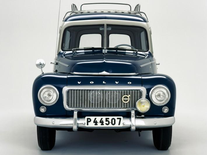 1958_Volvo_PV445_PH_Duett_004_6072