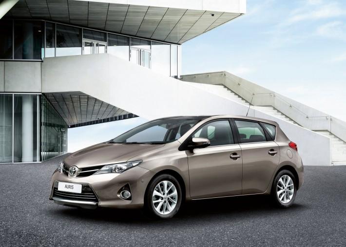 Toyota-Auris_2013