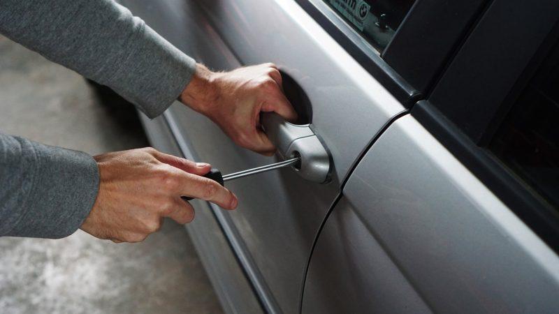 Inbrott i bilen hemförsäkring eller bilförsäkring