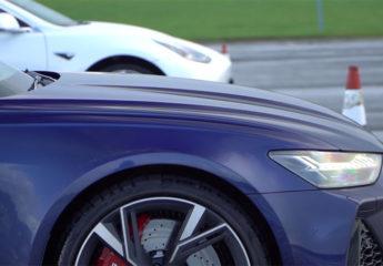 Dragrace Audi RS6 vs Tesla Model 3